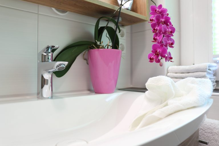Minaralguß Waschtisch